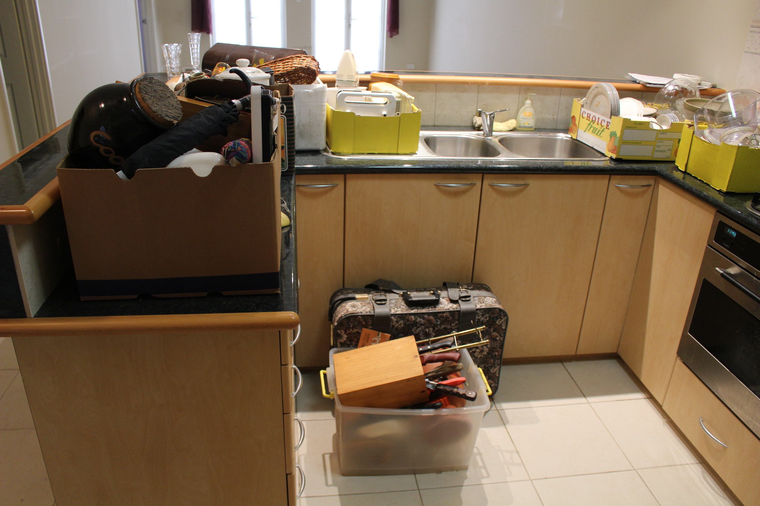 MOVING OVERSEAS HOUSE CLEARANCE